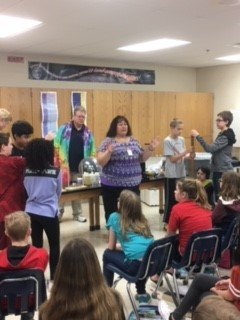 Oak Ridge Middle School students learn about electricity at Rockwell Collins roadshow